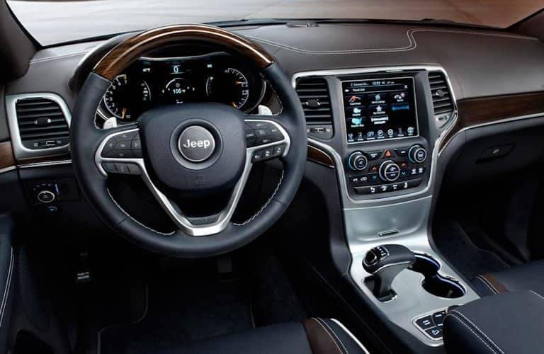 2014-Jeep-Grand-Cherokee-B
