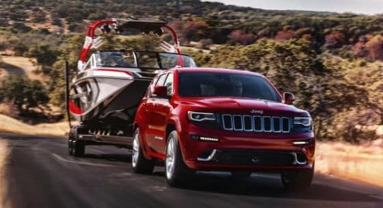 2015 Jeep Grand Cherokee towing boat