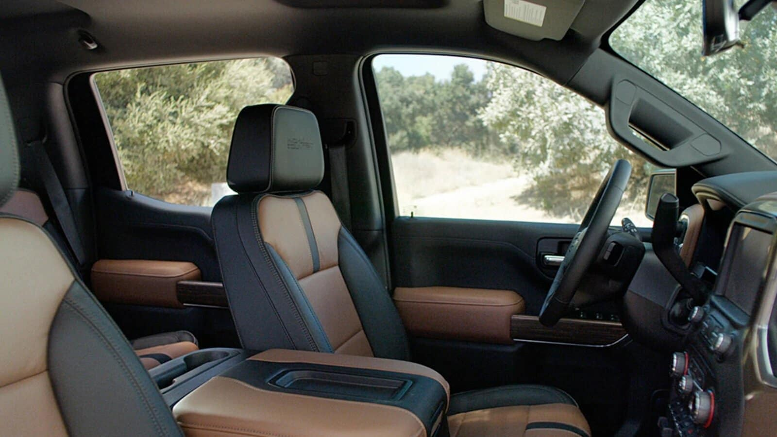 2020 Chevy Silverado 1500 Near Tulsa, OK Has the Interior You Have Always Wanted