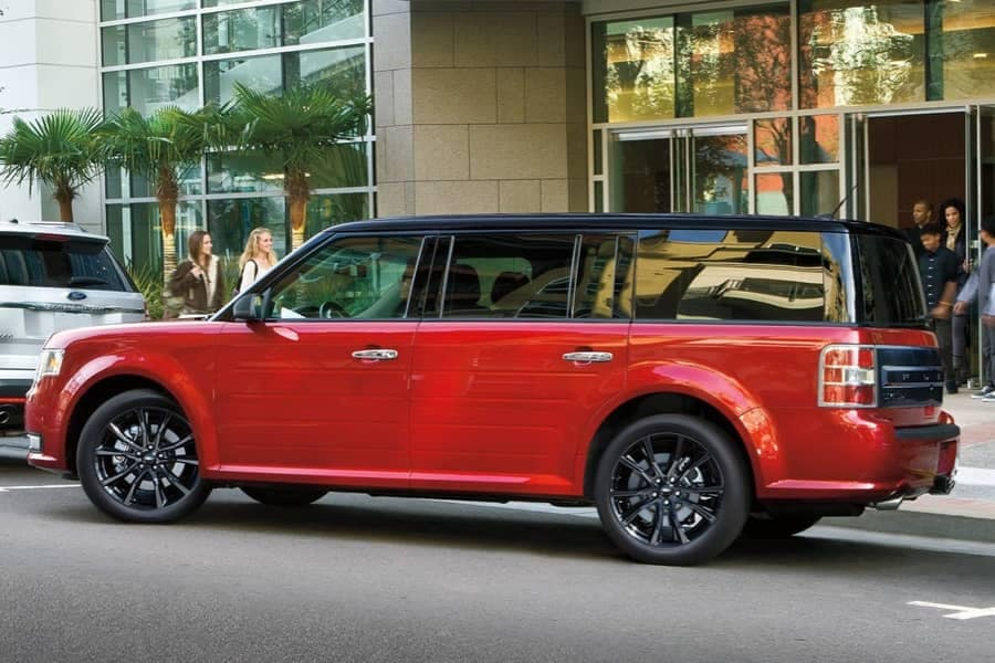 2019 Ford Flex parallel parking