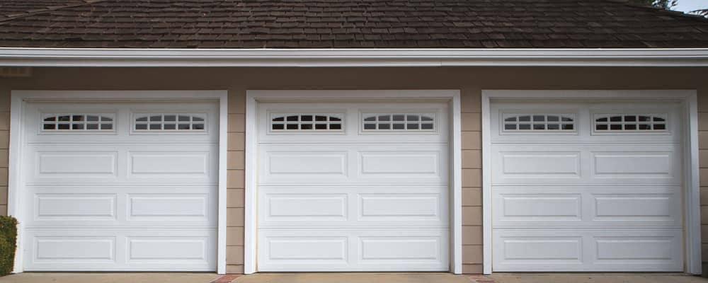 Garage-doors_3891747_m-2015