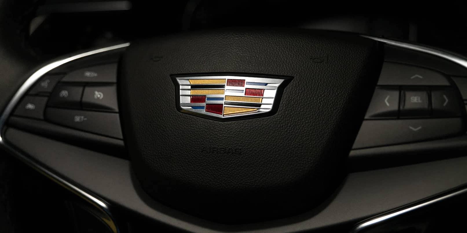 2021 Cadillac XT5 steering wheel with emblem