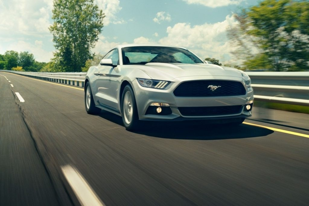 history of the ford mustang Get all the info and spec's of the latest ford mustang we give you all the engine,  design & safety details so you can customise the mustang to your needs.