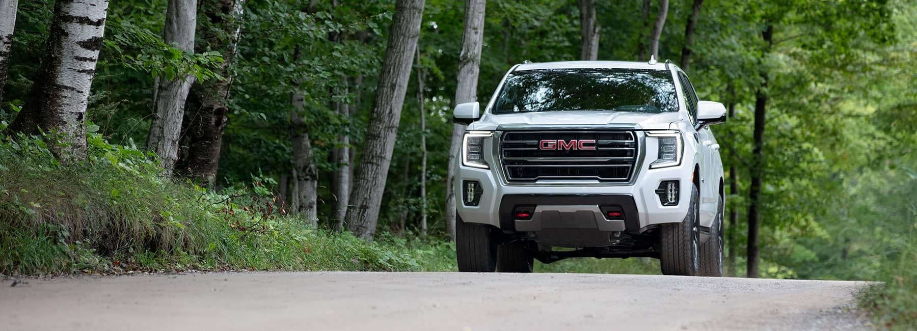 2021 GMC Yukon AT4 4WD in Summit White_mobile