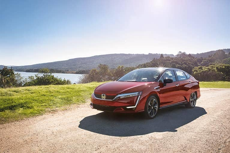 2020-honda-clarity-angle-view-mobile