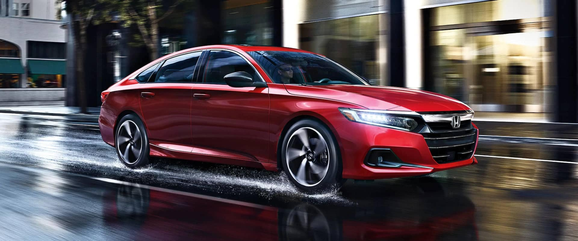2021-Honda-Accord-Hybrid speeds on city street