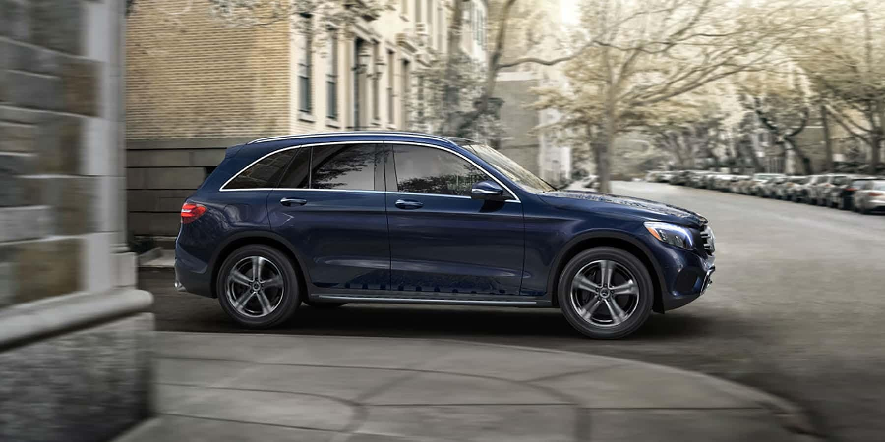 2018 GLC-SUV-model blue