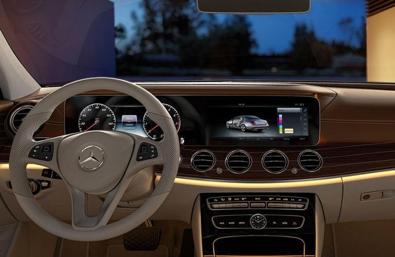 2017_Mercedes-Benz_E-Class_B_o