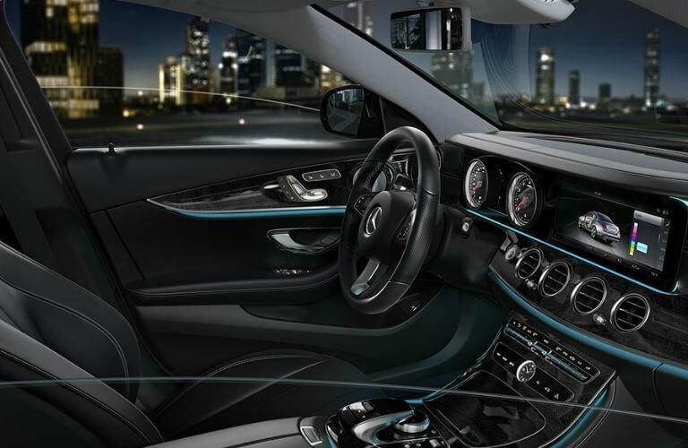 2017_Mercedes-Benz_E-Class_D_o