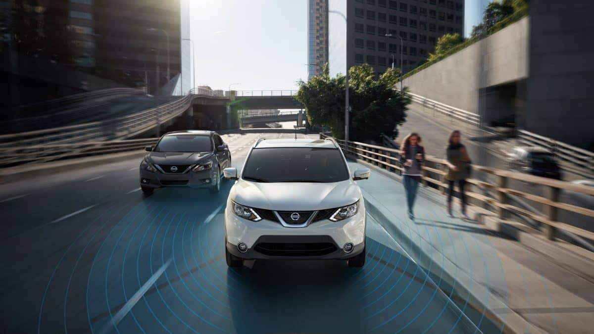 Nissan Rogue using its intelligent mobility technology