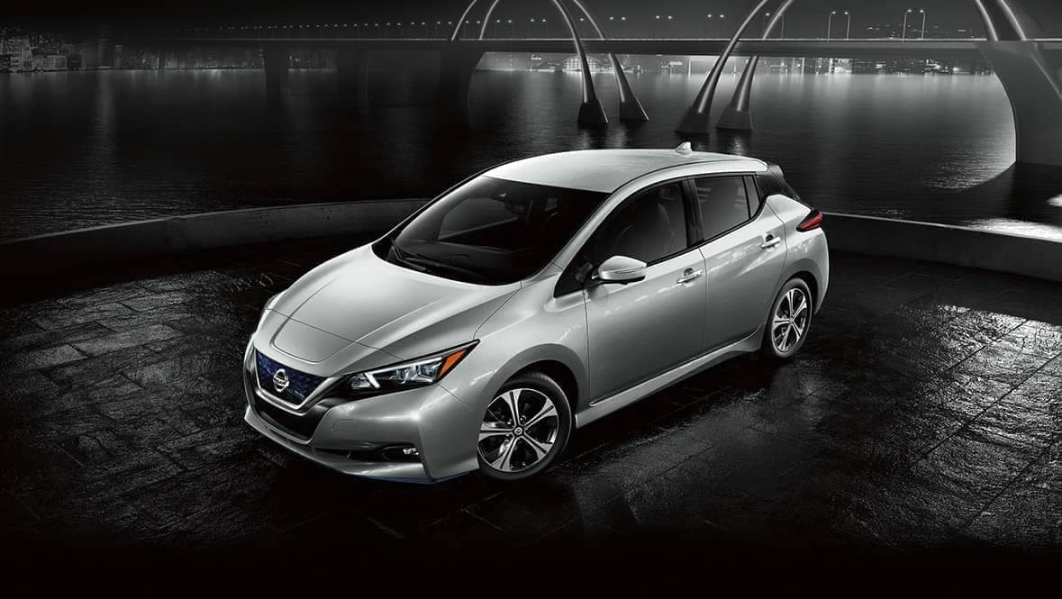 2020-Nissan-Leaf at night by a river