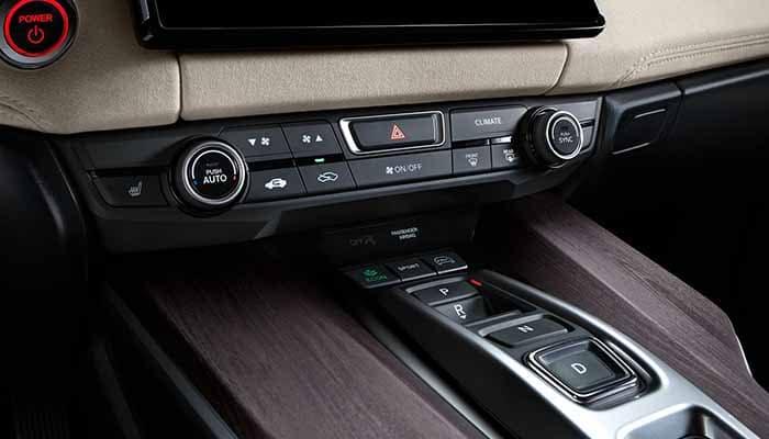 2018 Honda Clarity Plug In Hybrid Dual Climate Controls on Dashboard
