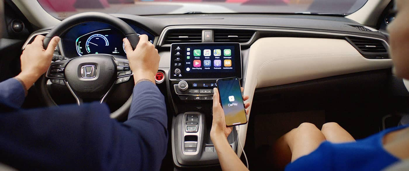 2019 Honda Insight Phone hooked up to Apple Carplay