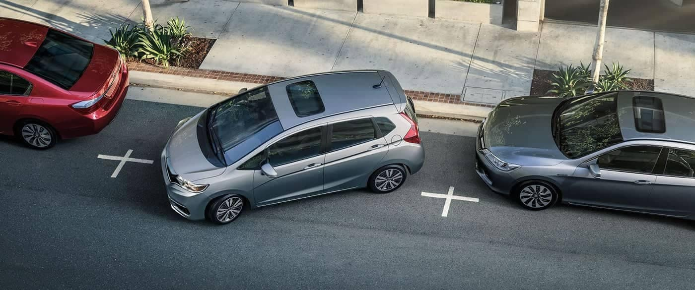 2019 Honda Fit Parrallel Parking Using the Rearview Camera