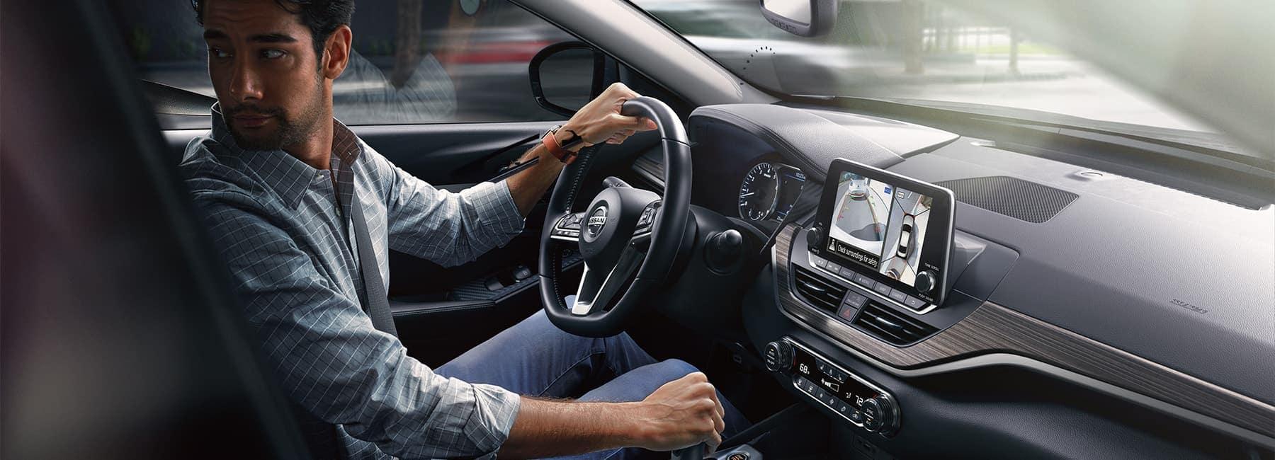 2020-nissan-altima-profile-view-driver-banner