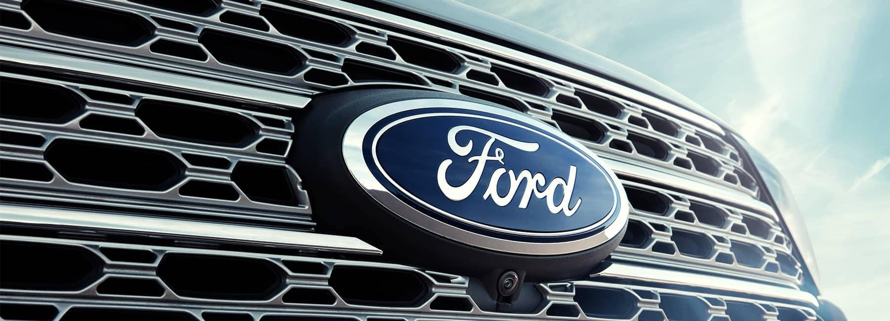 2021 Ford Explorer front grille
