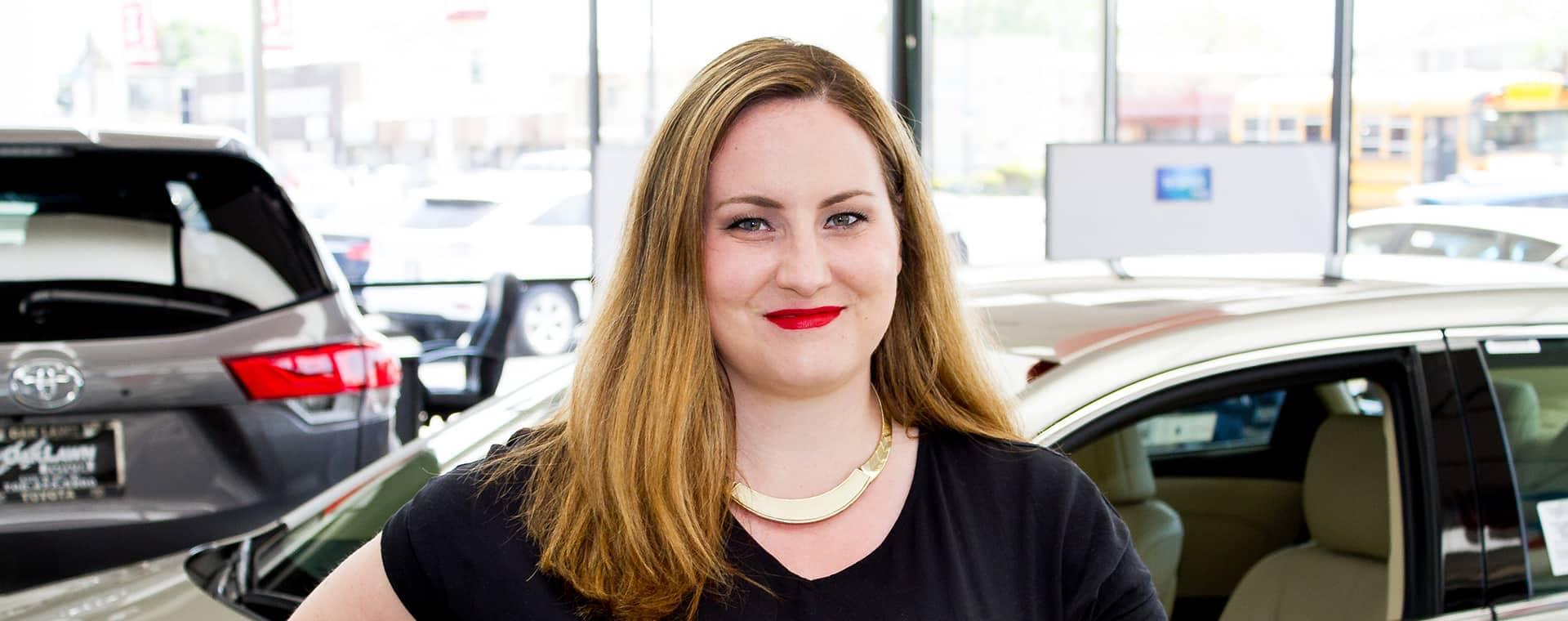 Lauren Boutos - Internet Sales Manager2-desktop