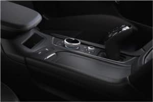 xt6-interior-features-wireless-charging-l