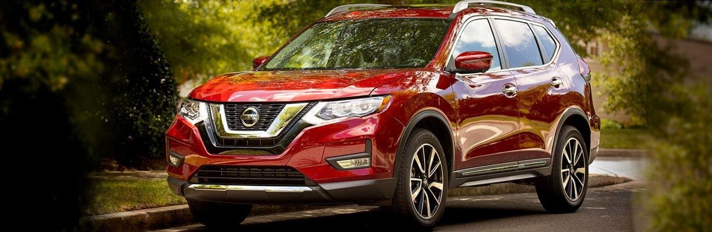 2019-Nissan-Rogue-angled-view