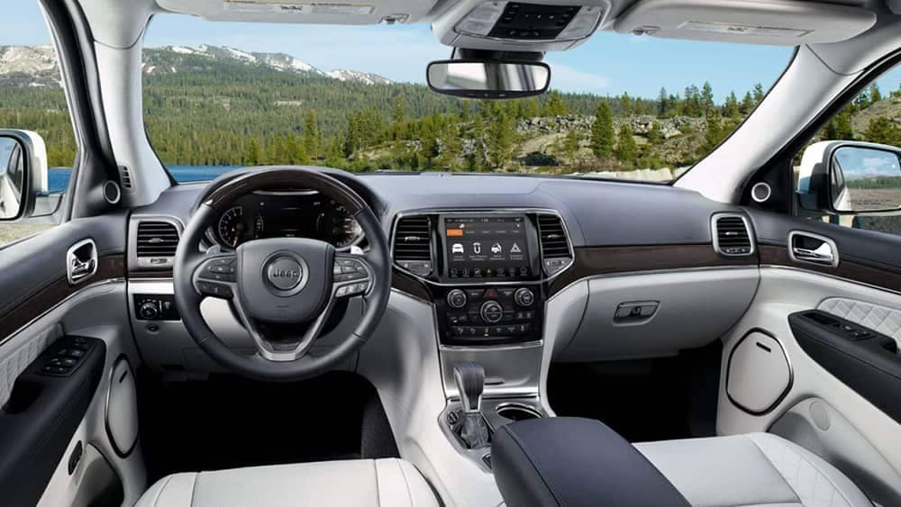 2019-Jeep-Grand Cherokee Interior Gallery-6
