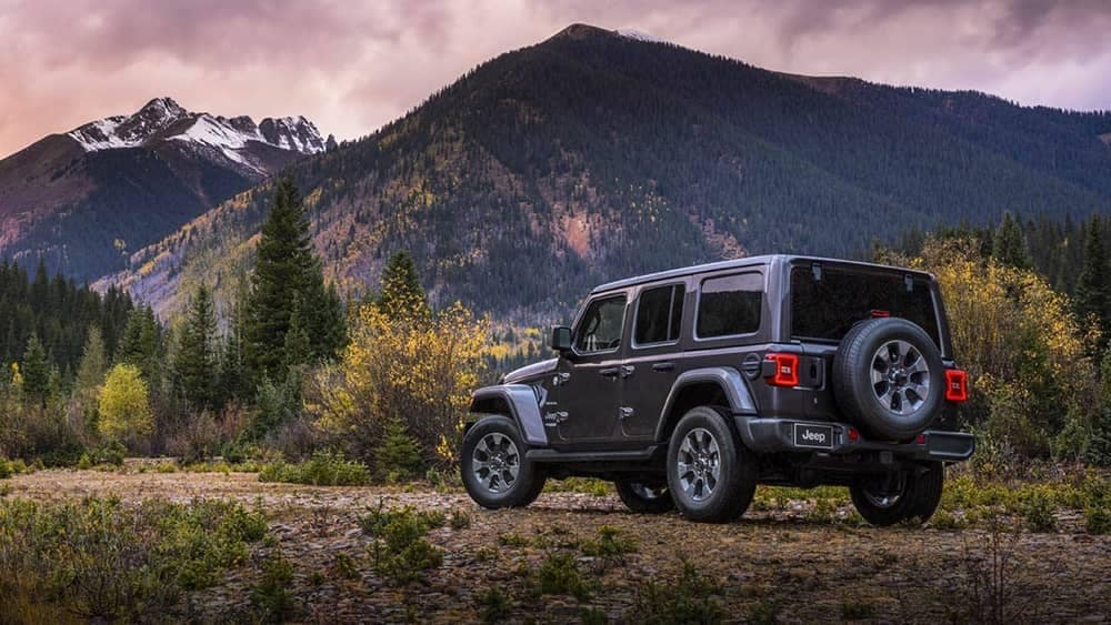 2019-Jeep-Wrangler Exterior Mountain