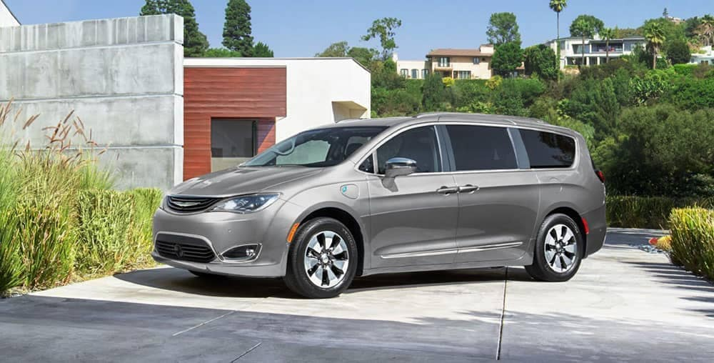 2019-chrysler pacifica in driveway