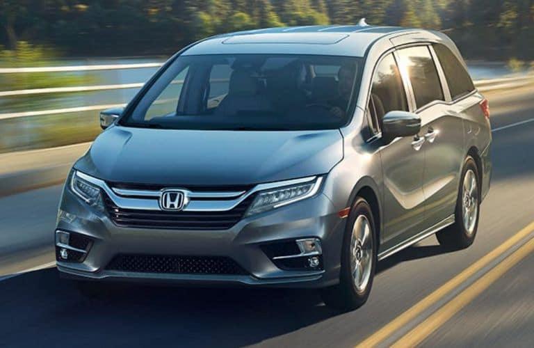 2018-Honda-Odyssey-ext-front_o