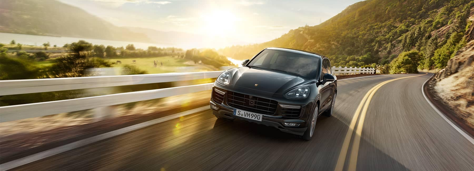 2015-Cayenne-Turbo-S-1