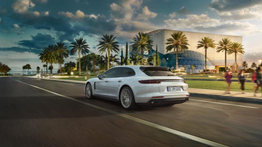 Panamera-Turbo-S-E-Hybrid-Sport-Turismo