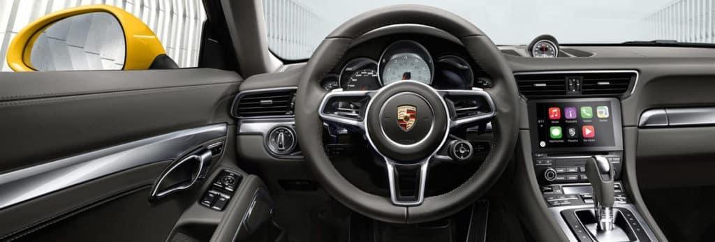 2018 Porsche 911: Interior