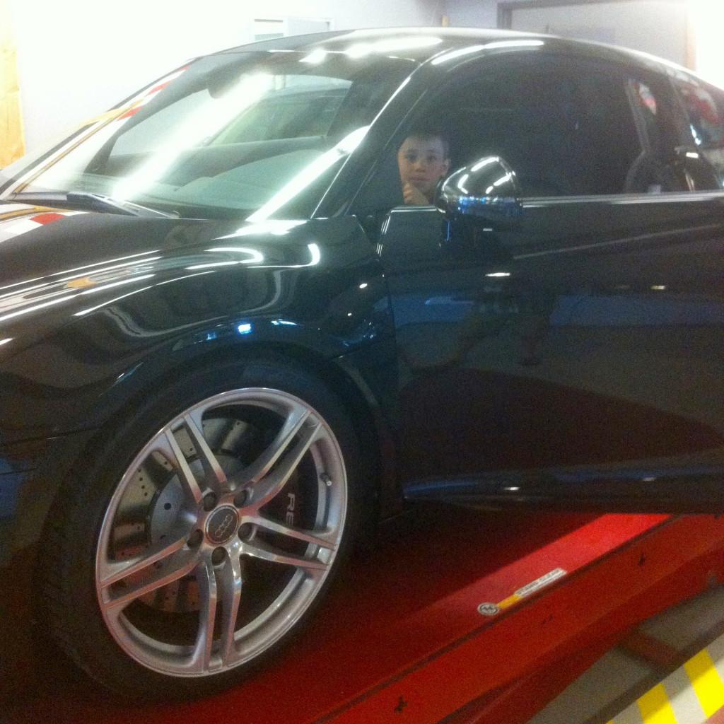 Koben Quaiser in an Audi R8