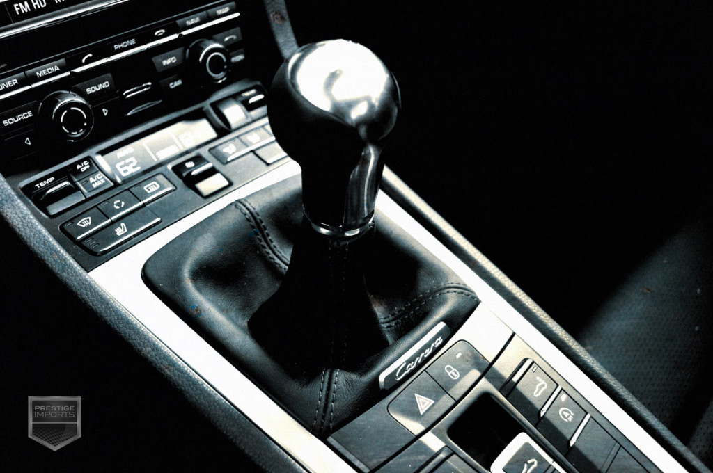 Porsche 991 7-speed manual transmission - center console