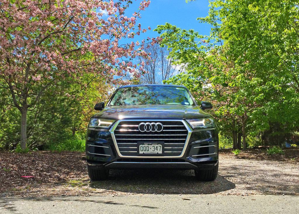 The front view of an Audi Q7 on Stanford Avenue in Cherry Hills Village, Colorado