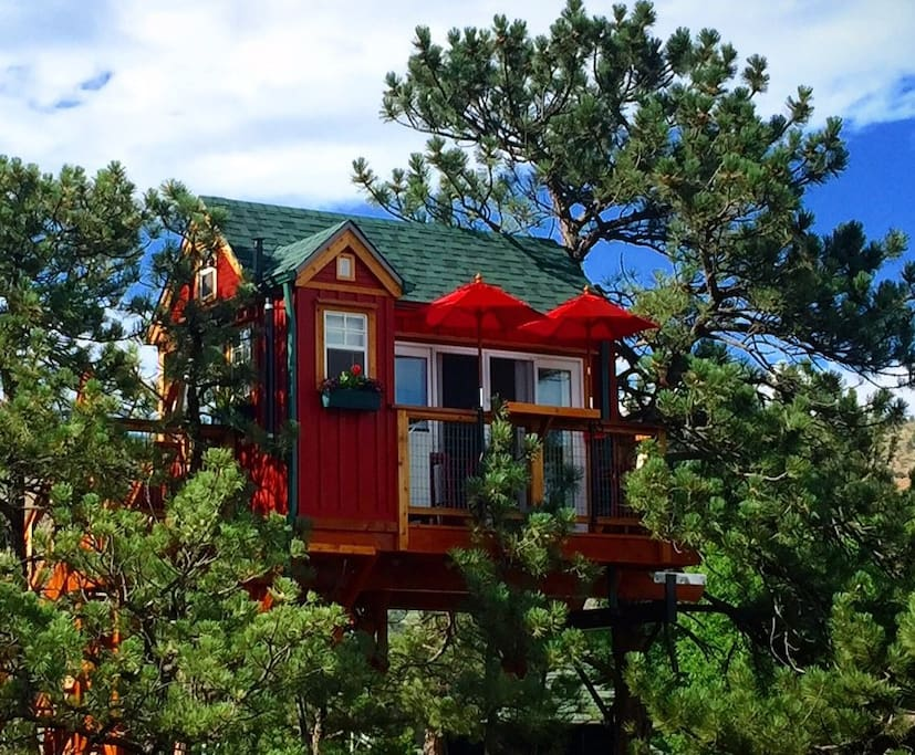 Little Red Treehouse - airbnb - Lyons, CO