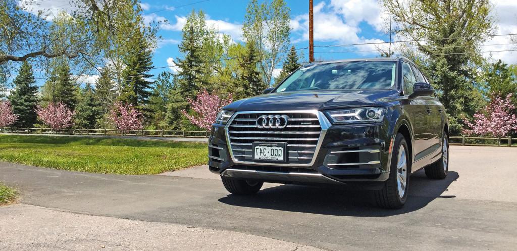 Denver Neighborhood Guide - Audi Q7 and the Cherry Hills neighborhood of Denver, CO