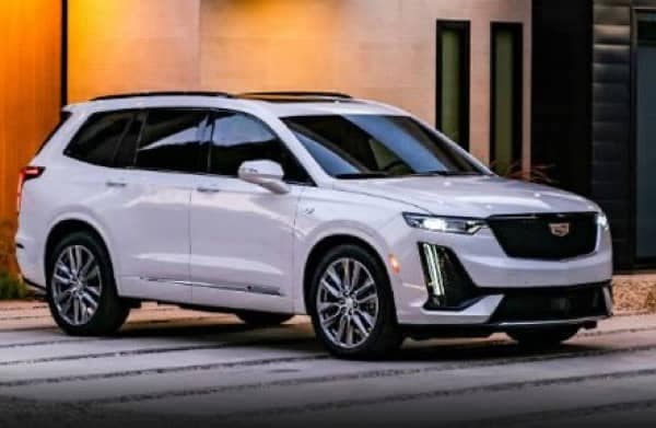 White 2021 Cadillac XT6 Parked