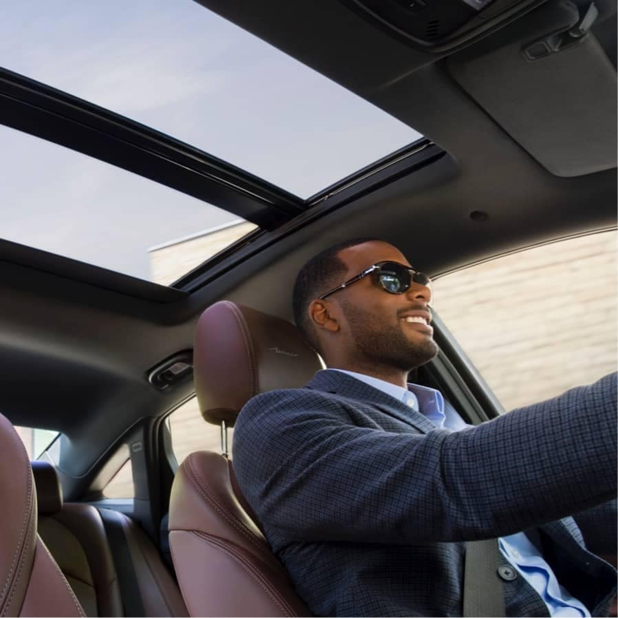 lacrosse avenir moonroof