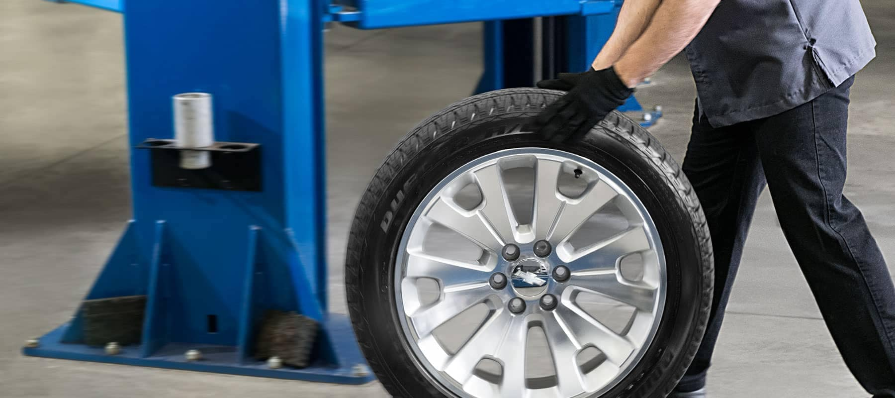 GM service rolling tire