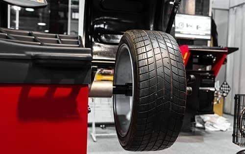 tire balancing on machine
