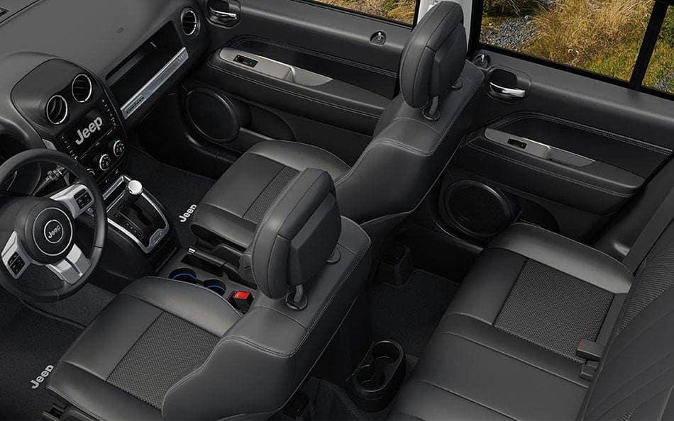 2015 Jeep Compass interior