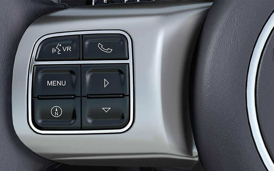 2016 Jeep Patriot steering wheel mounted controls
