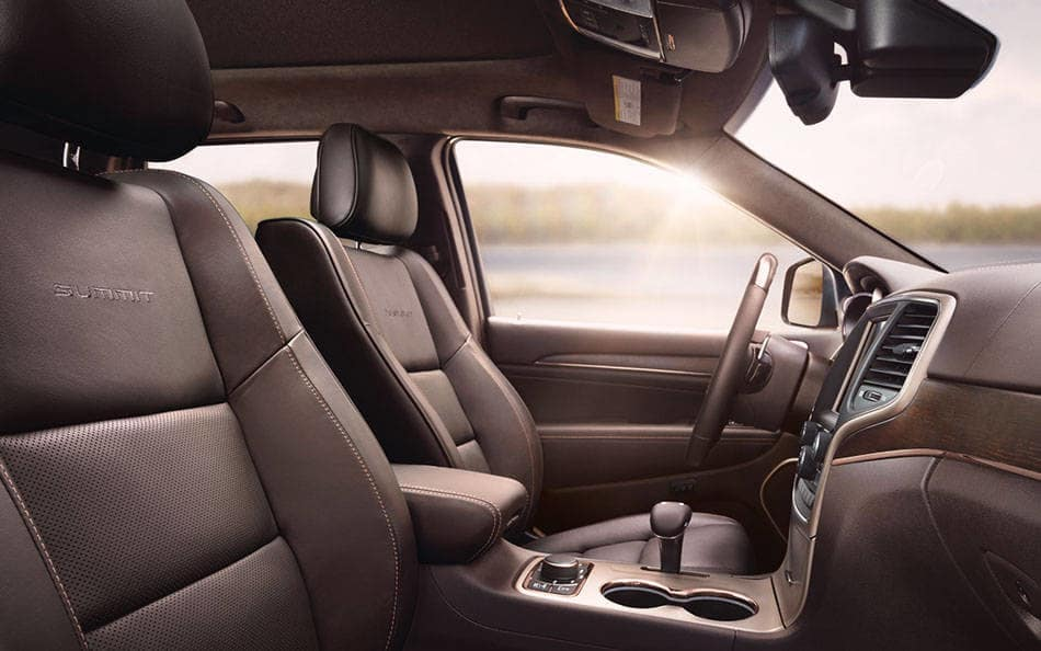 2016 Jeep Grand Cherokee interior with Natura Plus leather