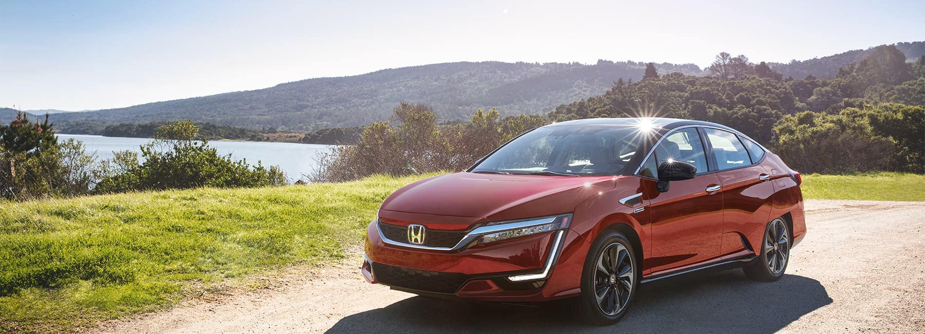 2020 Honda Clarity front View