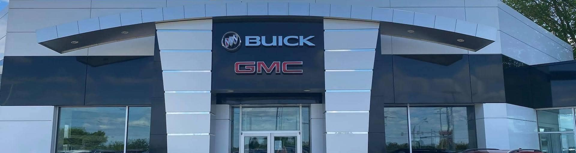 exterior view of entrance to Serra Buick GMC Champaign