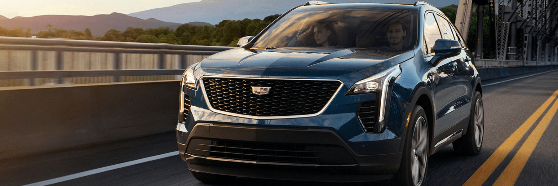 2020 Cadillac XT4 drives over bridge