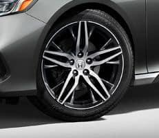 19-inch alloy wheels