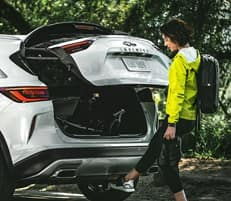 MOTION ACTIVATED LIFTGATE