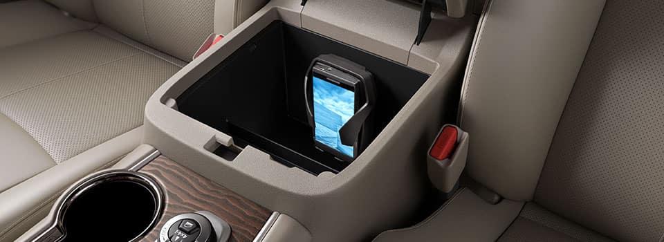 2019 Nissan Pathfinder interior features