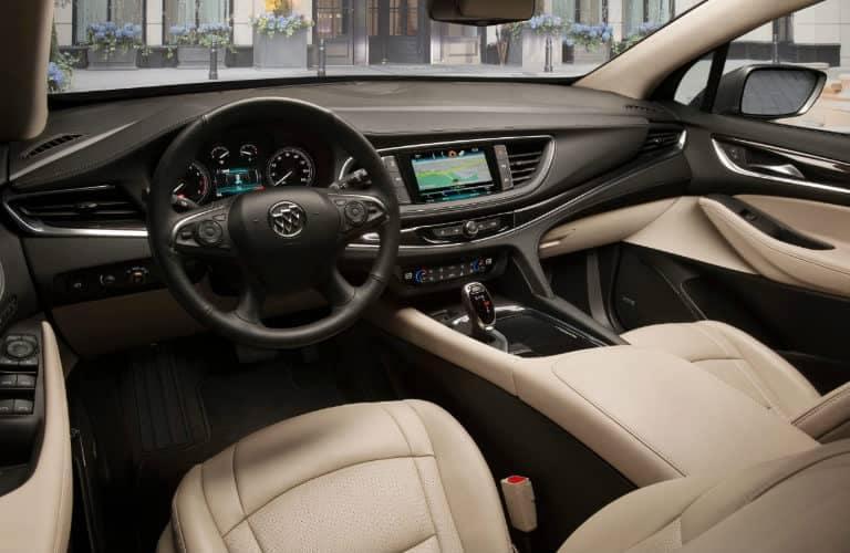 2019_Buick_Enclave_interior_o