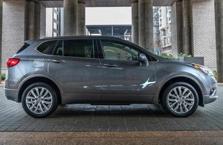 2019_Buick_Envision_exterior_side_o